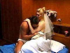 Blond bride shemale loses virginity