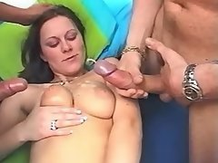Hot girl gets duble cumshot in orgy
