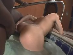 Chocolate guy fucks yummy shemale